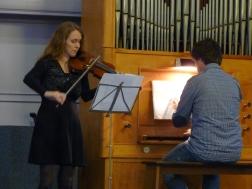 Air uit de 2e Orkestsuite gespeeld op orgel en viool.
